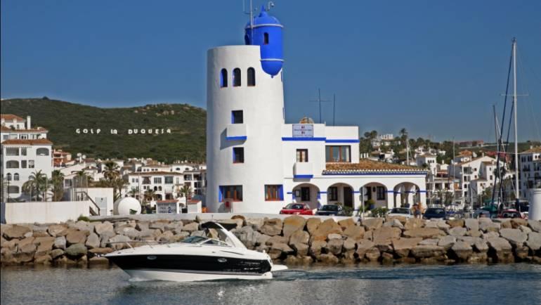 Marinas del Mediterráneo patrocina la limpieza de los fondos marinos de la bocana de Puerto Duquesa