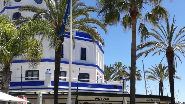 Los tres puertos deportivos de Marinas del Mediterráneo reciben un año más la Bandera Azul