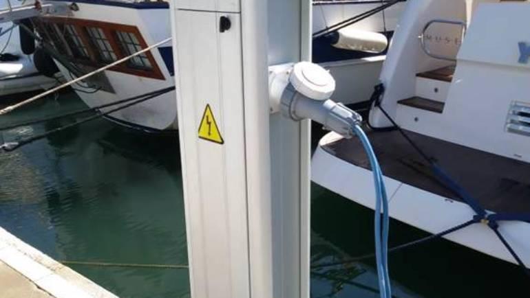 Die Marina von Estepona führt wichtige Maßnahmen zur Verbesserung und Abstimmung der Anlagen und ihrer Sicherheit durch