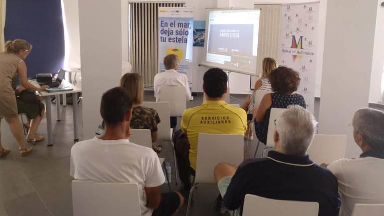Die Mittelmeer-Marinegruppe, verpflichtet, meermüll bewusst zu sein