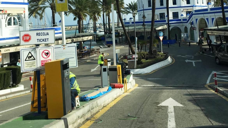 Marinas del Mediterráneo renueva las máquinas del aparcamiento del Puerto Deportivo de Estepona