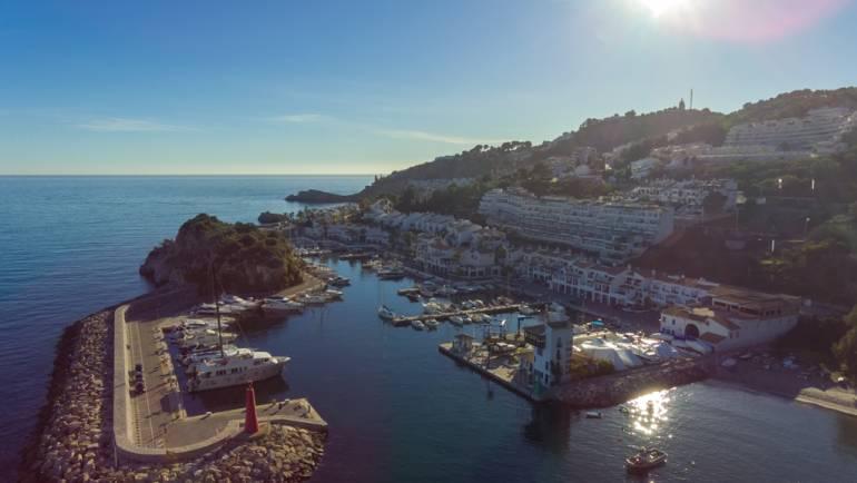 Los tres puertos deportivos del Grupo Marinas del Mediterráneo reciben el distintivo de la Bandera Azul