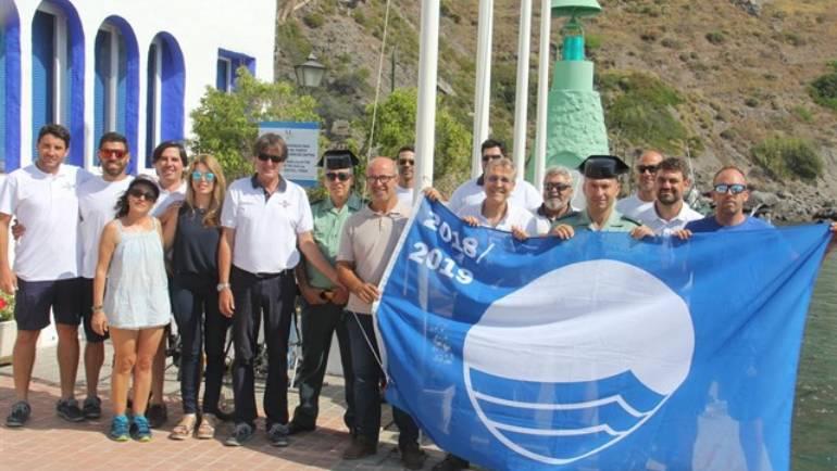 Izada la Bandera Azul 2018 en el Puerto Deportivo Marina del Este