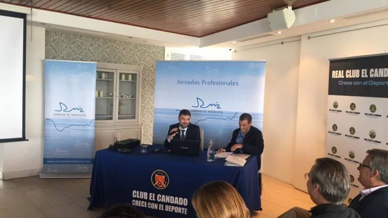 The Mediterranean marine participates in the I professional day of marine de Andalucía