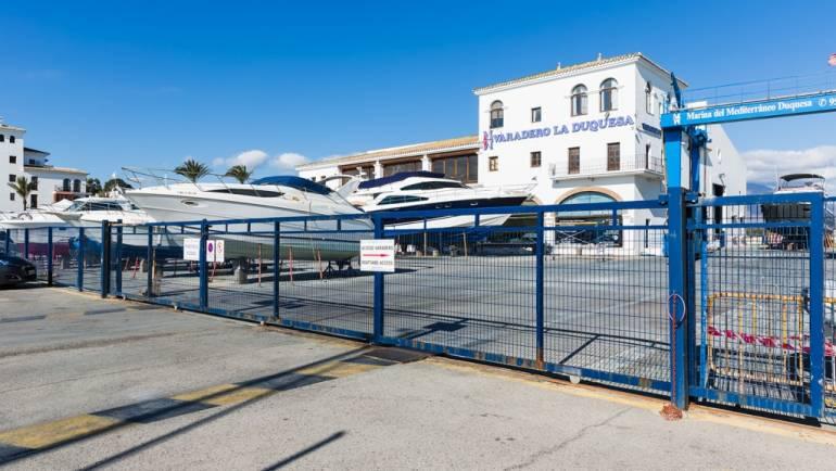 Marinas del Mediterráneo realiza mejoras en la zona del varadero del Puerto de La Duquesa