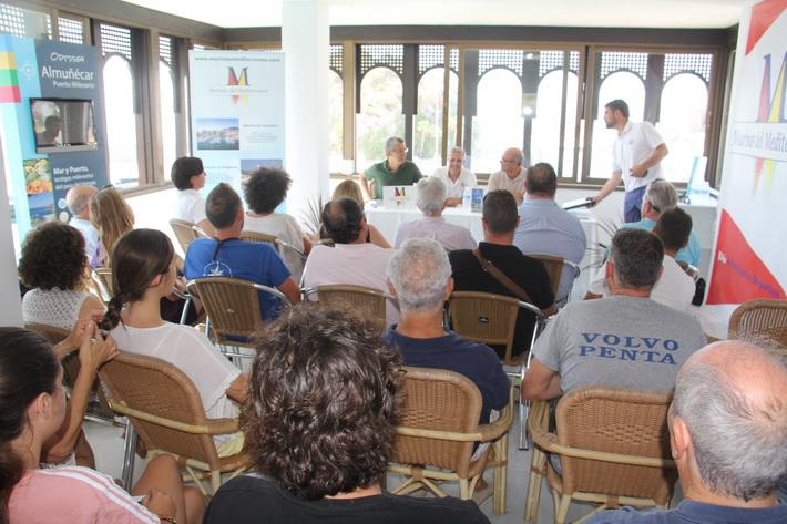 El Puerto Deportivo Marina del Este ha acogido una charla sobre espacios protegidos del litoral sexitano