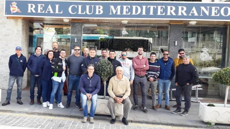 The staff of the docks of Puerto de La Duquesa and Marina del Este come to a training of the painting company Jotun