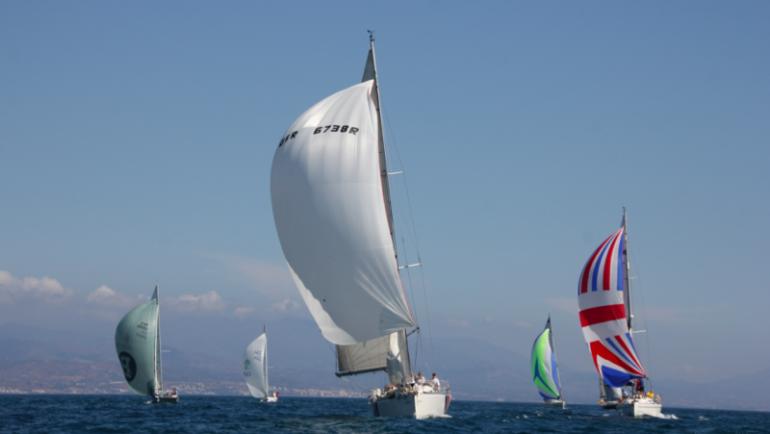 El Puerto Deportivo de Estepona acoge la IX Regata Interclubes del Estrecho