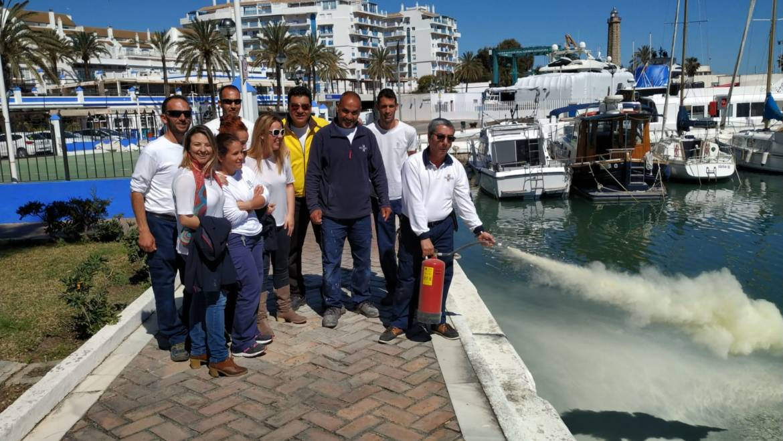 El personal del Puerto Deportivo de Estepona ha efectuado la revisión del Plan Anual de Emergencias