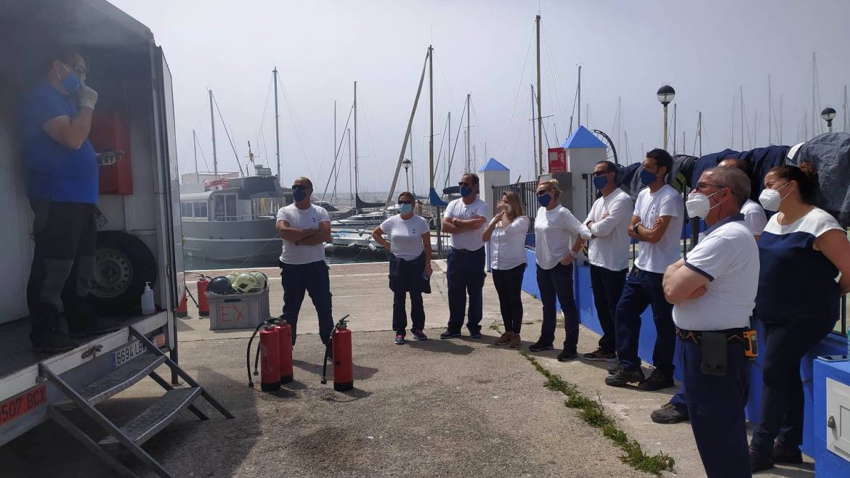 El personal del puerto deportivo de Estepona realiza un curso de prevención de incendios