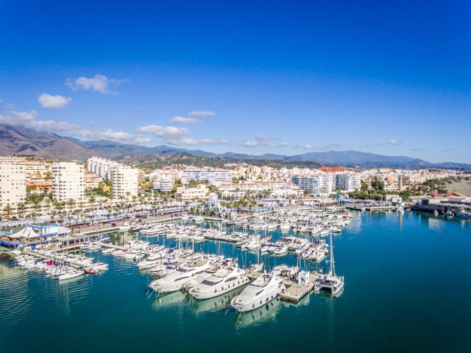 El Puerto Deportivo de Estepona prevé una temporada estival positiva con gran movimiento de clientes internacionales